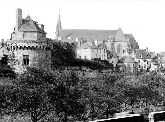 Cathédrale Saint-Pierre ; Remparts (anciens) Vue générale prise du sud, Durand, Jean-Eugène (photographe),