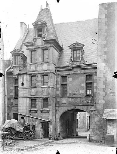Hôtel de Jean du Moulin de Rochefort (ancien) Revers de la façade sur rue, Gossin (photographe),
