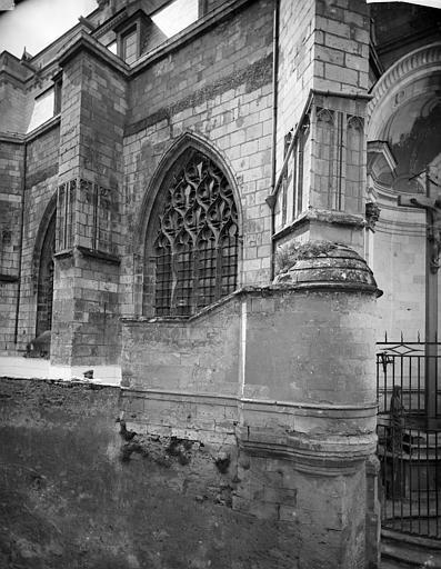 Cathédrale Saint-Maurice Façade nord : Fenêtres et contreforts, ,
