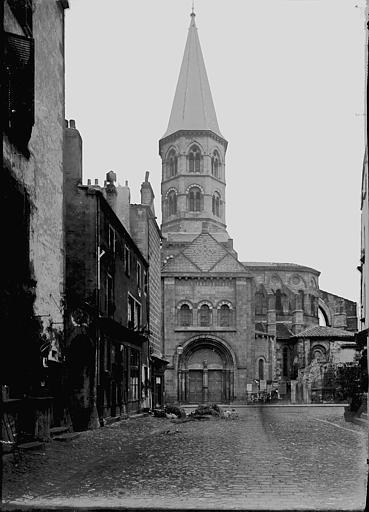 Eglise Saint-Amable Abside et clocher, au sud, Enlart, Camille (historien),