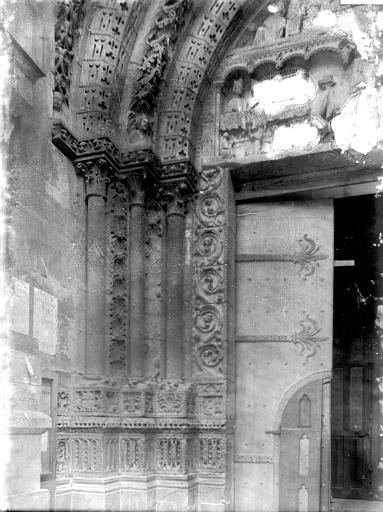 Cathédrale Notre-Dame Portail Saint-Jean, piédroit et départ d'archivolte, Enlart, Camille (historien),