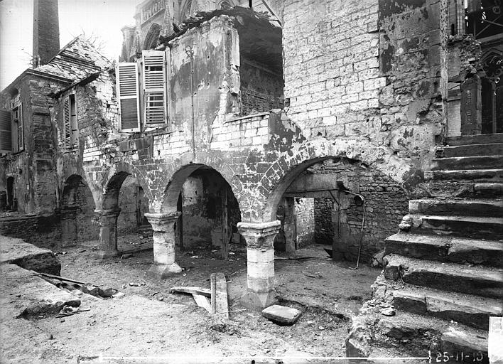 Maison Arcades, Verneau, G.,