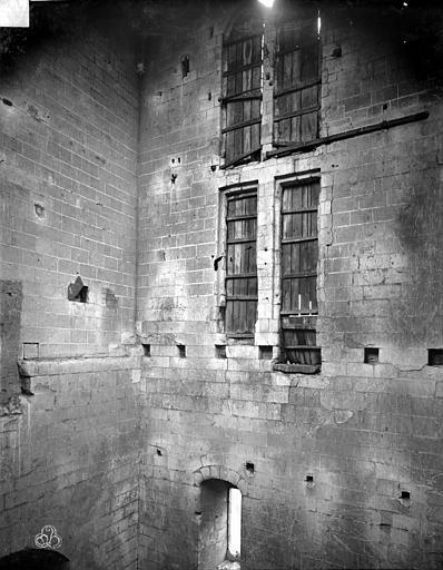 Cathédrale Saint-Pierre Vue intérieure d'une tour : Fenêtrees, ,