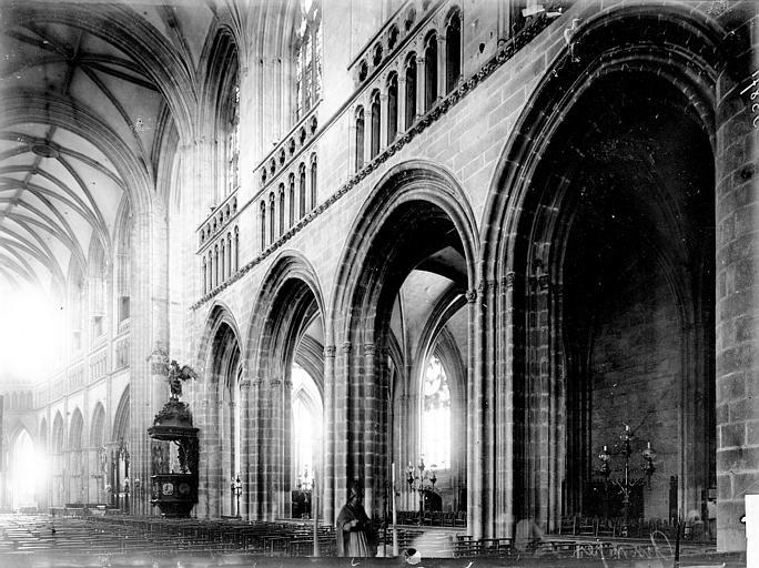 Cathédrale Saint-Corentin Nef, Enlart, Camille (historien),