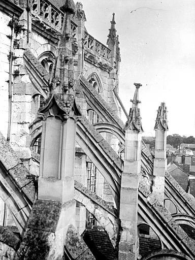 Eglise Saint-Etienne Arcs-boutants, Chaine, Henri (architecte),