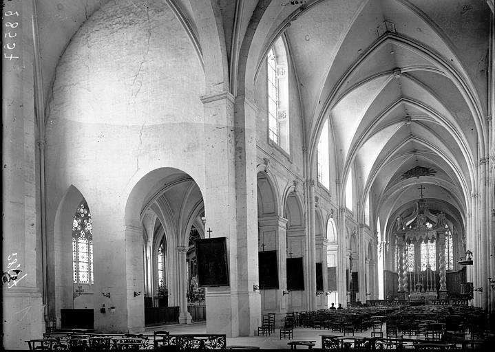 Cathédrale Notre-Dame-de-l'Assomption Nef et bas-côté nord vus de l'entrée, Enlart, Camille (historien),