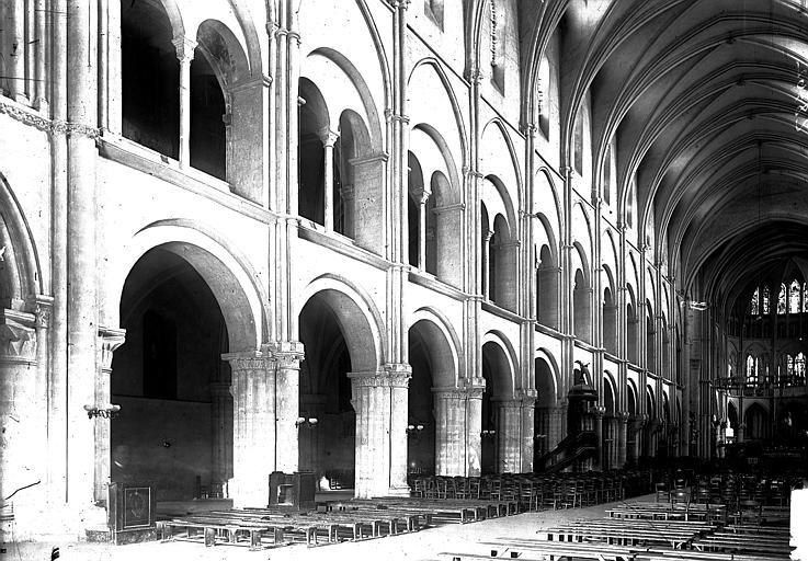 Basilique Saint-Remi Nef vue de l'entrée, Enlart, Camille (historien),