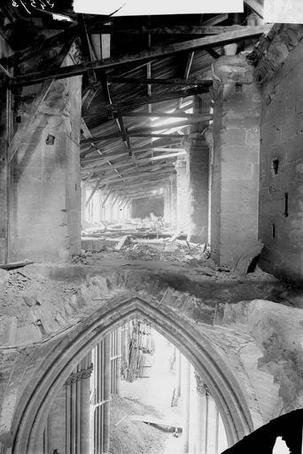 Cathédrale Notre-Dame Couverture provisoire, charpente du bas-côté sud, vue du transept, Verneau, G.,