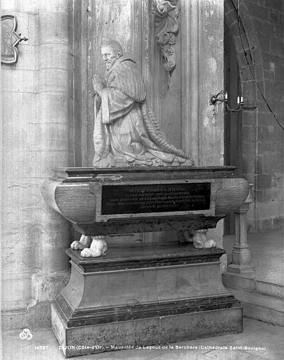 Cathédrale Saint-Bénigne Mausolée de Legouz de la Berchère, Neurdein (frères) ; Neurdein, Louis ; Neurdein, Louis (photographe),