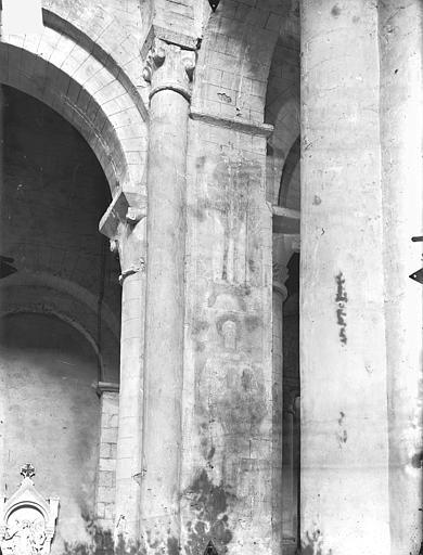 Eglise Saint-Hilaire-le-Grand Peintures murales (restes) : Saint Quentin (supposé), Gossin (photographe),