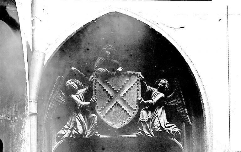 Hôtel d'Aubière Tympan, Enlart, Camille (historien),