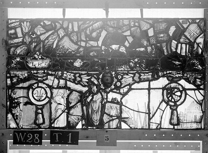 Cathédrale Vitrail, Chapelle Saint-Joseph, lancette gauche, Légende de saint Romain, septième panneau, en haut, Heuzé, Henri (photographe),