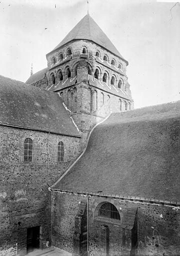 Eglise Saint-Sauveur Clocher central, Enlart, Camille (historien),