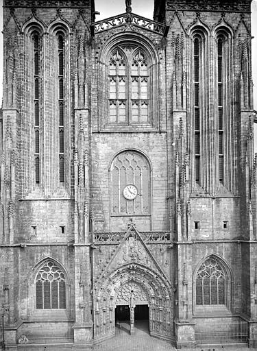 Cathédrale Saint-Corentin Façade ouest, Mieusement, Médéric (photographe),