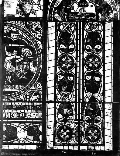 Cathédrale Saint-Pierre Vitrail, fenêtre B, figure fragments d'ornementation fenêtre vitrail B, Leprévost (photographe),