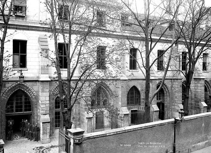 Couvent des Bernardins (ancien) Ensemble sur la rue, Durand, Eugène (photographe),