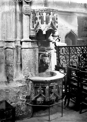 Collégiale Notre-Dame Bénitier, Enlart, Camille (historien),