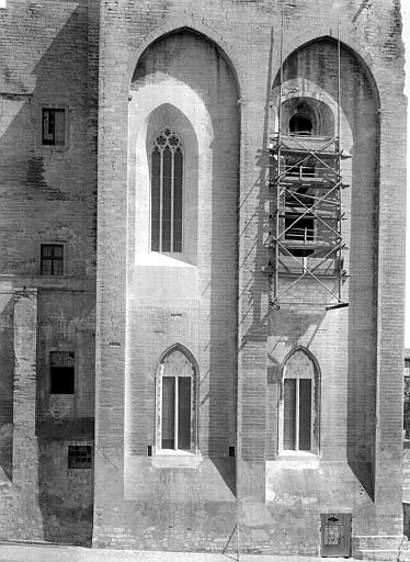 Palais des Papes Grande audience et chapelle : Façade sud sur la place, Durand, Jean-Eugène (photographe),