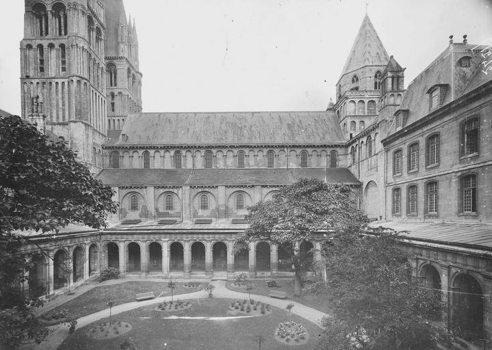Abbaye aux Hommes (ancienne) Cloître, Service photographique,