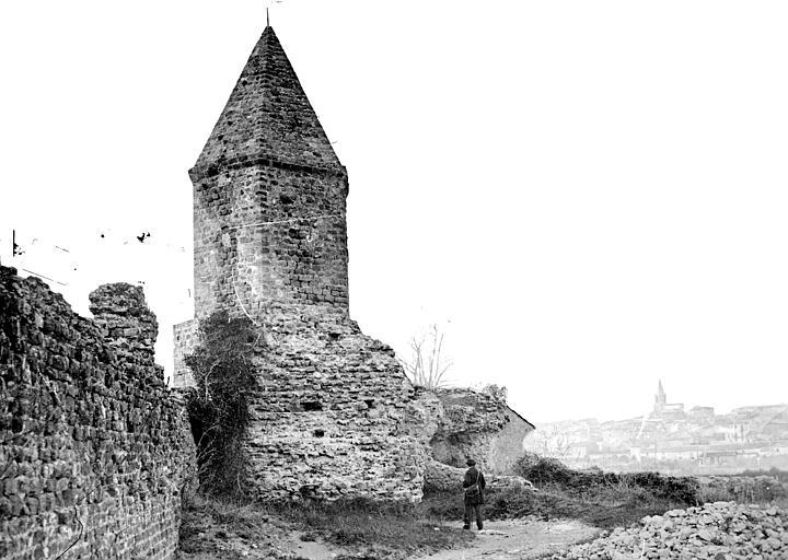 Remparts (restes) Fortifications romaines, Mieusement, Médéric (photographe),