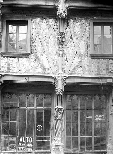 Maison dite de la Reine Blanche Façade sur rue (détail), Durand, Jean-Eugène (photographe),