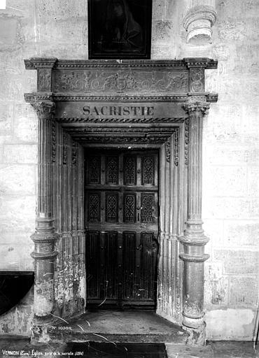 Eglise Porte de la sacristie, Robert, Paul (photographe),