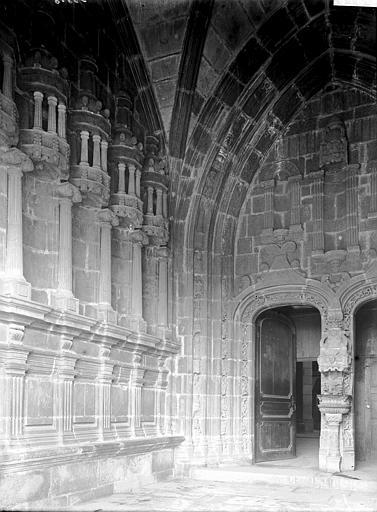 Eglise Saint-Houardon Porche sud: intérieur, Enlart, Camille (historien),