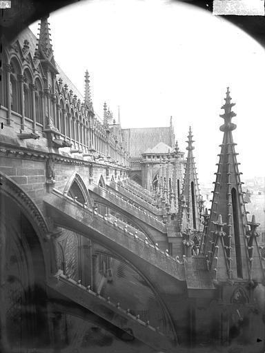 Cathédrale Notre-Dame Pinâcles, contreforts de la nef, au sud, Lajoie, Abel,