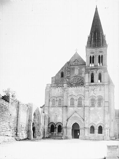 Abbaye Saint-Nicolas (ancienne) Eglise. Façade ouest, Enlart, Camille (historien),