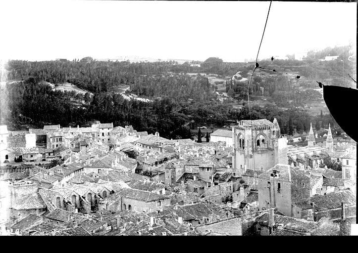Vue panoramique de la ville, Enlart, Camille (historien),