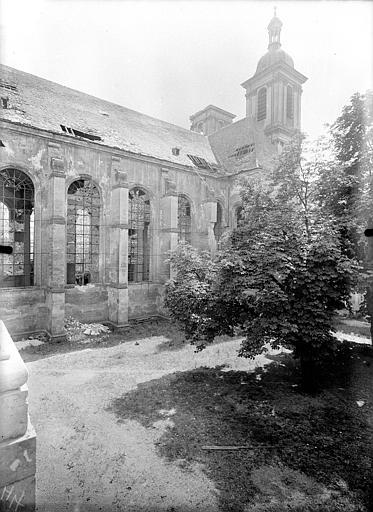 Abbaye Sainte-Marie-Majeure (ancienne), hôpital civil Eglise - Façade sud, Queste, P. photographe),