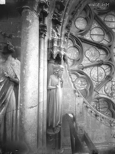 Cathédrale Notre-Dame Bras nord du transept, statue d'Adam, Lajoie, Abel,