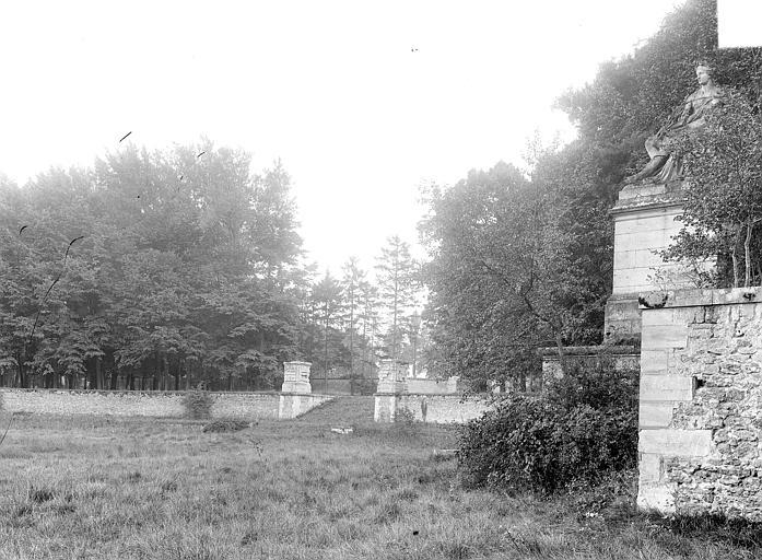 Domaine national, château Parc : enceinte, Durand, Jean-Eugène (photographe),