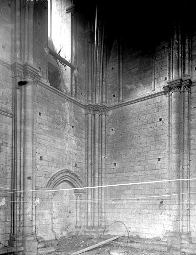 Cathédrale Notre-Dame Tour, intérieur, Enlart, Camille (historien),