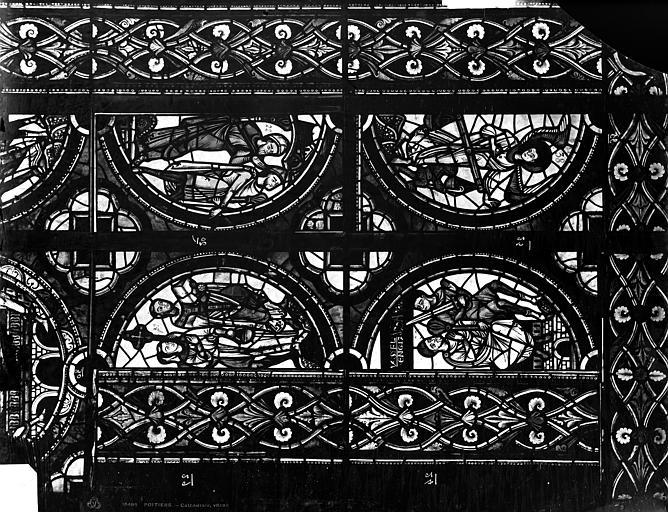 Cathédrale Saint-Pierre Vitrail, fenêtre A, figure ornementation, Leprévost (photographe),