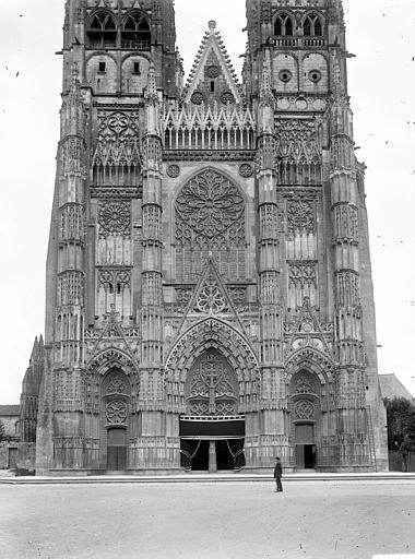 Cathédrale Saint-Gatien Façade ouest, Cousin,