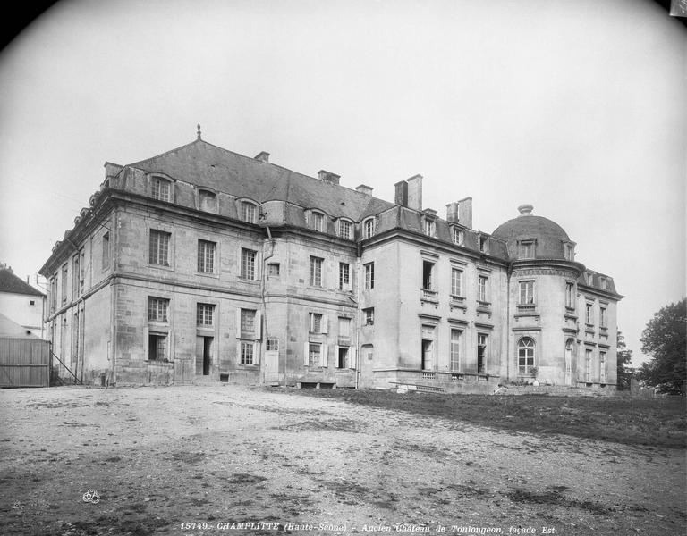 Cathédrale Saint-Pierre Vitrail, fenêtre B, figure fenêtre vitrail B, Leprévost (photographe),