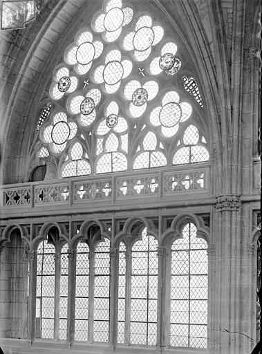 Cathédrale Saint-Cyr Vue intérieure du choeur, côté nord : Fenêtre haute, Heuzé, Henri (photographe),