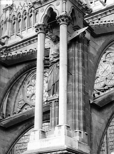 Cathédrale Notre-Dame Ange du cinquième contrefort de la nef, au sud, Lajoie, Abel,