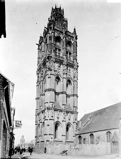 Eglise de la Madeleine Tour, Enlart, Camille (historien),