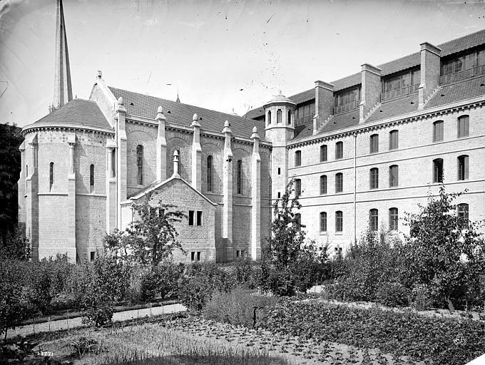 Cathédrale Saint-Bénigne Chapelle du séminaire, côté nord, Mieusement, Médéric (photographe),