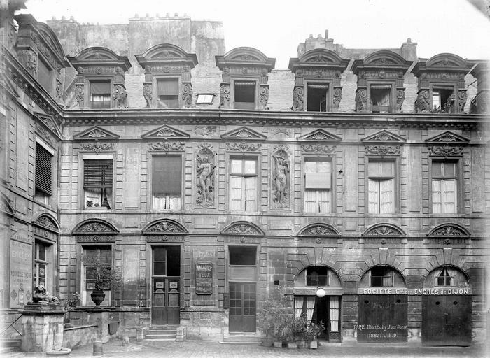 Hôtel Béthune-Sully Façade principale sur la cour, ensemble, Durand, Eugène (photographe),