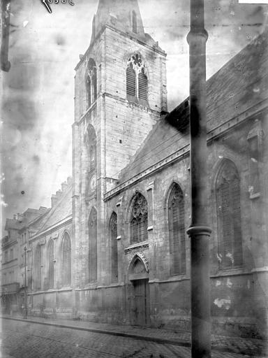 Eglise Saint-Vivien Clocher et partie latérale, Enlart, Camille (historien),