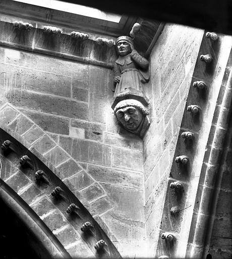 Cathédrale Notre-Dame Cariatide d'angle rentrant, transept, Lajoie, Abel,