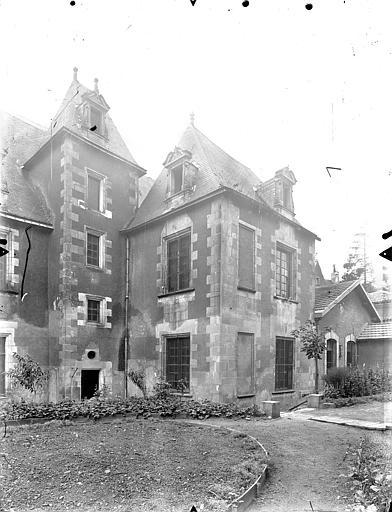 Hôtel de Jean du Moulin de Rochefort (ancien) Pavillon sur le jardin, Gossin (photographe),