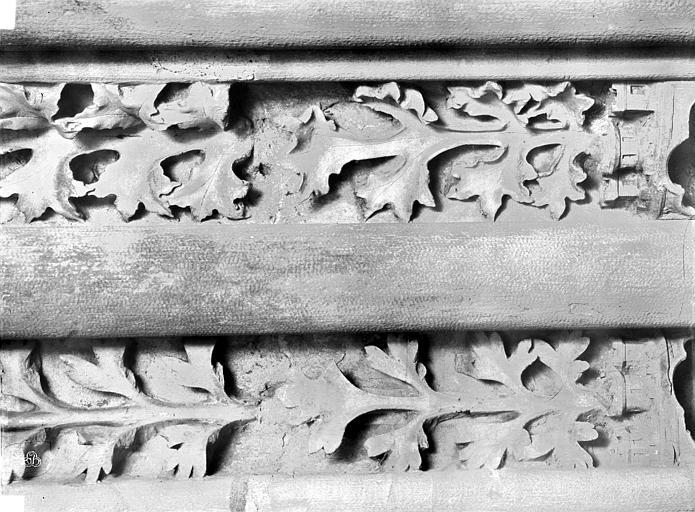 Basilique Saint-Denis Colonnes piédroit gauche, Durand, Eugène (photographe),