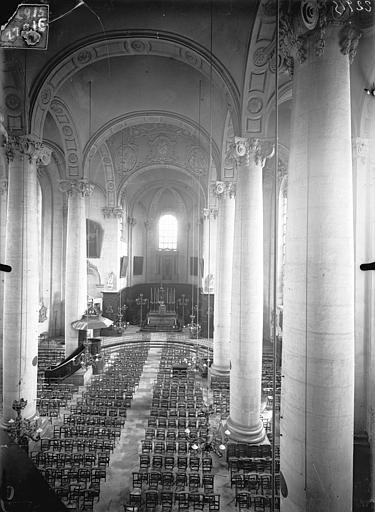 Eglise Saint-Sébastien Vue intérieure de la nef vers le choeur, prise depuis la tribune, Queste, P. photographe),