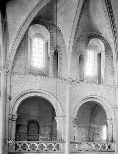 Eglise de Saint-Etienne-le-Vieux (ancienne) Vue intérieure de la nef : Tribune et fenêtres hautes, Durand, Jean-Eugène (photographe),