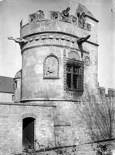 Maison dite des Gens d'Armes Tour donnant sur la rue, Durand, Jean-Eugène (photographe),