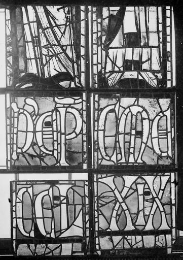 Cathédrale Notre-Dame Vitraux de la fenêtre axiale du choeur, figures inférieures de la première et deuxième lancette, Nadeau, H. (photographe),